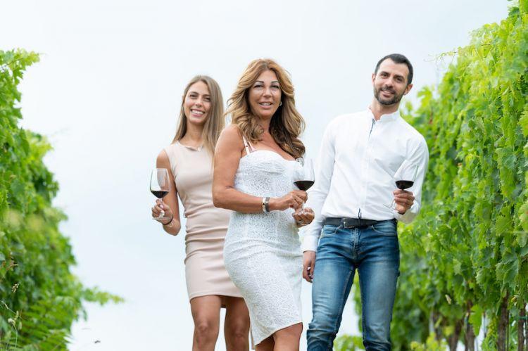 Angela Velenosi con la figlia Marianna e il figlio Matteo