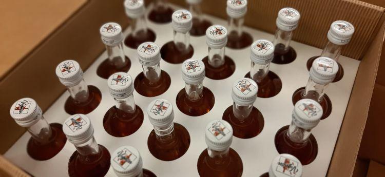 Le mini bottiglie realizzate da Vignon