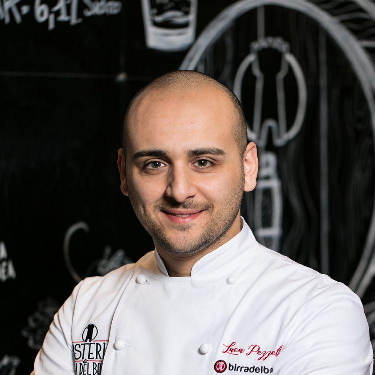 Luca Pezzetta, Osteria di Birra del Borgodi Roma, premiato daChiara Quaglia, Proprietaria di Petra Molino Quaglia