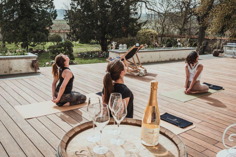 Lezione di Yoga con degustazione di Champagne allaMaison Louis Brochet