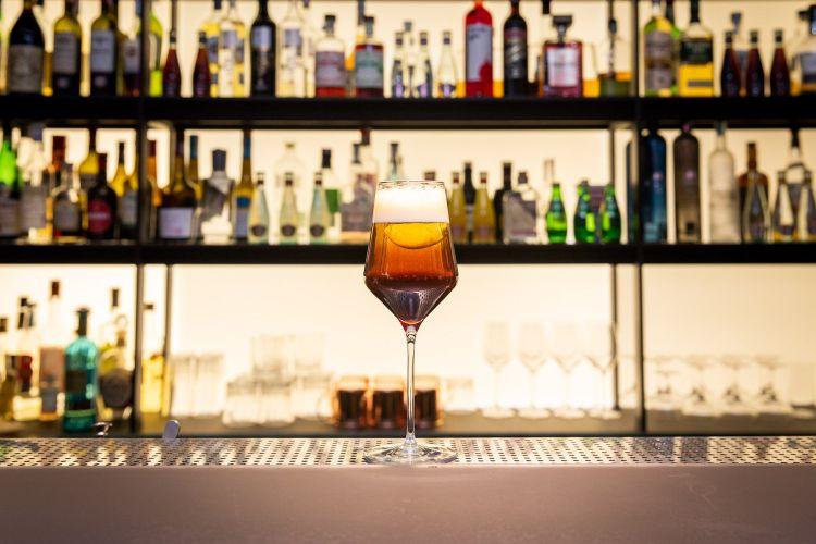 Zucca & Seltz Moderno:Amaro Gran Riserva Rabarbaro Zucca, liquore al caffè, seltz