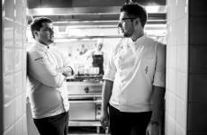 Andrea De Carli e Marco Cozza sono i giovani chef del Rose Salò, nella cittadina sul Garda (le foto sono diNicolòBrunelli)