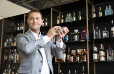 David Rios,miglior bartender del mondo nel 2013, sul palco diIdentità di Cocktail 2019 (foto Brambilla/Serrani)