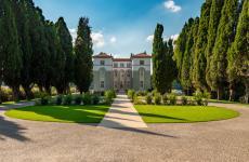 L'ingresso alla villa, da fine giugno 2020 aperto al pubblico
