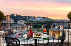 La terrazza del ristorante47 Circus Roof Garden, nell'Hotel FortySeven di via Petroselli, Roma
