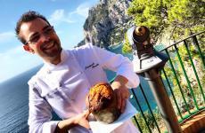 Pasquale Rinaldo, chef delRistorante D'Amorein via Furlovado,isola di Capri (Napoli)
