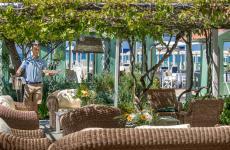 Particolare delLux Lucis, ristorantetrasferito dal 3 luglio dalle mura dell'hotel Principe Forte dei Marmi (Lucca) alDalmazia Beach Club, in riva al mare
