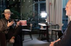 Joe Bastianich intervistato da Paolo Marchinella masterclass diIdentità on the road 2020.Per vedere tutte le lezioni della nostra piattaforma digitale, clicca qui(per informazioni: iscrizioni@identitagolose.it oppure +390248011841, interno 2215)