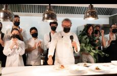 Massimo Bottura with his team at the end of the masterclass at Identità on the road 2020. To watch all the lessons on our digital platform, click here (for info: iscrizioni@identitagolose.it or call +390248011841, ext. 2215)