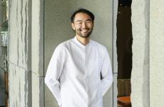 Takeshi Iwai, 41 anni, giapponese di Ibaraki,ex Ada e Augusto e ora chef diAalto part of Iyo(già Iyo Aalto), il ristorante di Claudio Liu a Porta Nuova, Milano (le foto sono di Brambilla/Serrani)