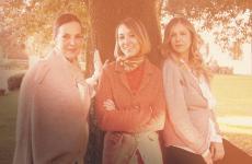 Paola, Sibilla e Angelica Bagnoli, titolari diFattoria La Leccia, azienda vitivinicola fondata negli Settanta a Montespertoli (Firenze)