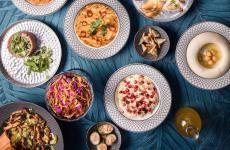 Alcune delle mezze del ristoranteEm Sherifa Beirut, Libano. L'insegna ha altre sedi anche a Dubai, Kuwait e Doha (in Qatar)