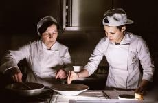 MichelinaFischetti e Serena Falco,ristoranteOasisa Vallesaccarda (Avellino), una stella Michelin