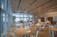 La sala del ristorante Piano 35 di Torino. Regia di cucina, Marco Sacco, 2 stelle Michelin al Piccolo Lago di Mergozzo (Verbania). Le foto sono di Adriano Mauri