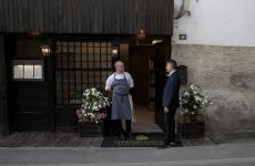 Filippo OggioniePaolo Bariani, chef emaître del ristorante Vecchio Ristorodi Aosta, ristorante stellato per circa 20 anni. Entrambi sono reduci dall'esperienza al Dandelion di Courmayeur