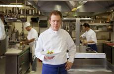Lo chef Andrea Costantini del Regio Patio,ristorante gastronomico (ce n'è un secondo, dedicato agli ospiti dell'albergo) delRegina Adelaide, a Garda (Vr)