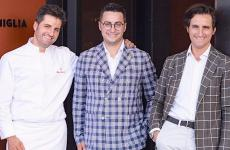 I fratelliFelice (cuoco),Riccardo(maître)e Roberto (sommelier)Sgarradai primi di luglio titolari diCasa Sgarra, sul lungomare di Trani