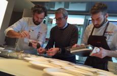 Anche Riccardo Felicetti è stato coinvolto nella preprazione del piatto a Identità di Pasta, chiamato da Carlo Cracco per collaborare a realizzare una ricetta orginale e ricercata che esalta i suoiPàche