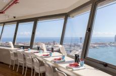 The view from Marea Alta, opened last November on the last floor of Torre Colón, on the Rambla in Barcelona. There's more to the view, though: Enrique Valentí and Arthur Sotto's are doing a great job, with a nice offer of seafood and unconventional desserts