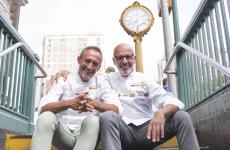 Lello Ravagnan e Franco Pepe in uno scatto nei pressi di Eataly Flatiron. La loro lezione sulla pizza, prima di 5 lezioni di Identità New York, ha fatto il tutto esaurito (foto Brambilla/Serrani)