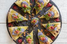Pizza Prunella: la ricetta primaverile di Amalia Costantini