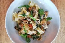 Pasta con cozze e vongole in bianco: ecco la ricetta d'autore (Andrea Ribaldone) di un piatto gustisissimo