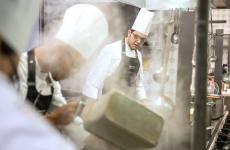 Andiamo a conoscere Antonio Pepe, giovane chef palermitano in forza al ristorante Atmosfera dell'hotel Helios, a Monza