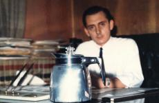 Peter Cardiello, entrepreneur from Campania who devised the Unimatic for the American market, a coffee machine half way between a moka and a percolator, no longer in production. A unique piece which becomes alive once again through his daughter's Elisabeth's memories
