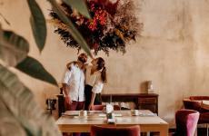 Lucia De Prai e Marco Primiceri nella sala del loro ristorante