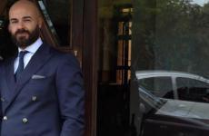 Piero Pompili, 44 anni, restaurant manager del ristorante Al Cambio di Bologna. L'articolo che pubblichiamo è un commento all'intervista alla cuoca americana Dominique Crenn: Troppi sucidi tra i cuochi, umanizziamo le nostre cucine