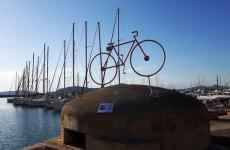 Il centesimo Giro d'Italiaè partito ad Alghero (Sassari). Sugli scudi, l'azienda Sella & Mosca, ceduta a novembre 2016 da Campari a Vittorio Moretti
