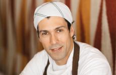 Rodrigo Oliveira, classe 1980: lo chef di San Paolo nel 2004 ha preso le redini del bar fondato nel 1979 dal padre, facendolo diventare uno dei ristoranti più acclamati di tutto il paese. Sarà a Identità Golose Milano con la sua cucina dal 12 al 15dicembre.Per prenotazioni, visitare il sito ufficiale