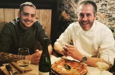 Da sinistra, Giuliano Moraca e Fabrizio Giovannini. Quest'ultimo è il patron de Il Pachino, pizzeria aperta nel '98 con il fratello Massimo, che da diversi anni guida invece l'Apogeo a Pietrasanta