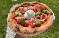 La Fiordipizza domestica di David Fiordigiglio, chef del ristorante Hell's Kitchen al Forte Village Resort di Santa Margherita di Pula (Cagliari)
