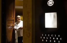 Ciccio Sultano vuole poter riaprire al più presto la porta d'entrata del suo ristorante Duomo, a Ragusa Ibla