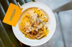 La Carbonara di Luciano Monosilio. Un'istituzione a Roma, che presto, grazie all'apertura di nuove sedi di Luciano - Cucina Italiana, arriverà anche in altre città d'Italia