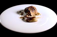 The delicious Anguilla BBQfromFederico Beretta,chef at Feelin Como. In this piece he explains the best way to select it and cook it