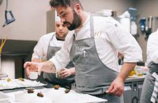 Nicola Gronchi al lavoro. Da gennaio è lo chef del Il Parco al Villa Grey di Forte dei Marmi, nuovo indirizzo di fine dining versiliese