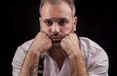 Carmine Di Donna, classe 1979, nato a Torre del Greco. È il pastry chef dellaTorre del Saracinodi Vico Equense. Sul palco di Identità Milano, nella sezionePasticceria italiana contemporanea, lunedì 25 marzo alle 16,40 in sala Blu 1