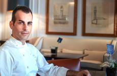 Lo chef Claudio Mengoni nella foto di Luca Managlia