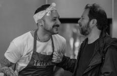 Diego Rossi, a sinistra, con Enrique Olvera nella cucina di Pujol(tutte le foto diAraceli Paz)