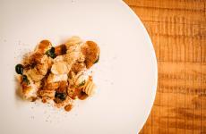 Fusillone Verrini, patate, lardo dei Nebrodi, ricci di mare: il piatto dell'estate di Giovanni Lullo