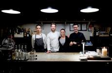 I protagonisti del Feel di Como: da sinistra il sousIvan Marelli, lo chefFederico Beretta, la sommelierElisa Forlanelli ePietro Gilardi,uomo di sala (foto Tanio Liotta)