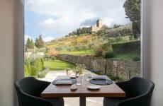 La campagna di Assisi del Nun Relais, struttura che da gennaio vanta anche il proprio ristorante gastronomico Eat, affidato allo chef Emanuele Mazzella