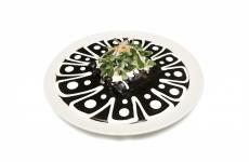 Le Enchiladas ripiene d'anatra e servite con mole negro diOscar Sanchez, chef del ristorante La Capital di Città del Messico