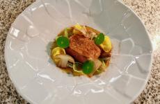 Petto d'oca confit, cavolini di Bruxelles, fondo di cottura di funghi: il piatto dell'inverno di Gerhard Wieser