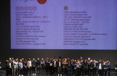 Tutti gli chef premiati alla presentazione della Guida dell'Espresso 2020 sul palcoscenico del Teatro del Maggio Musicale Fiorentino a Firenze per la foto ricordo