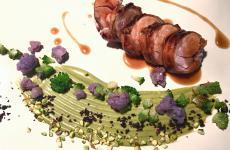 Coniglio in arrosto morto, soya e pistacchio: la ricetta primaverile di Senio Venturi