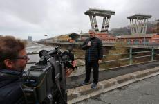 L'inviato di La7 sui luoghi della tragedia del Ponte Morandi, Paolo Colombo