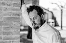 Lo chef Francesco Brutto, doppio impegno per lui all'Undicesimo Vineria e al Venissa. La foto è diMattia Mionetto